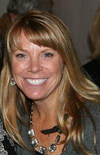 Cindy Marten headshot